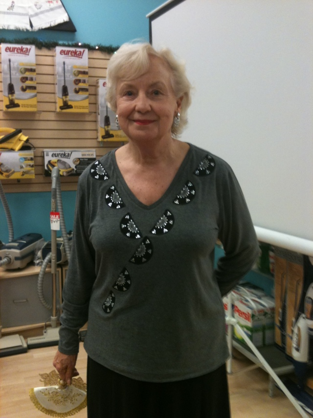 Show & Tell from Irene: she has been busy again with her Artistic Sewing Suite software with crystals - isn't her T-shirt just lovely?!