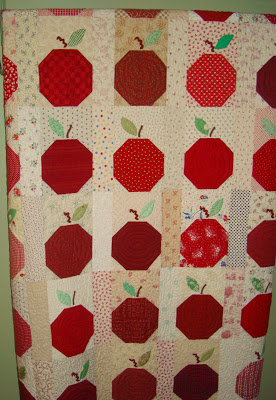 Apple Snowball Quilt..............yes, we have an-apple-a-day for you throughout September.......stay tuned!!
