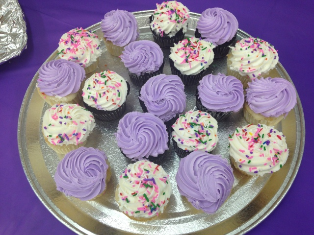 We even had yummy purple cup cakes at K-W Sewing!!