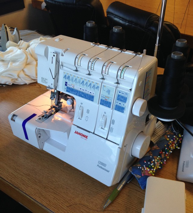 JANOME 1200D SERGER: ALL SET UP & RAEDY TO MAKE A KNIT FABRIC GARMENT IN MY CLASS.
