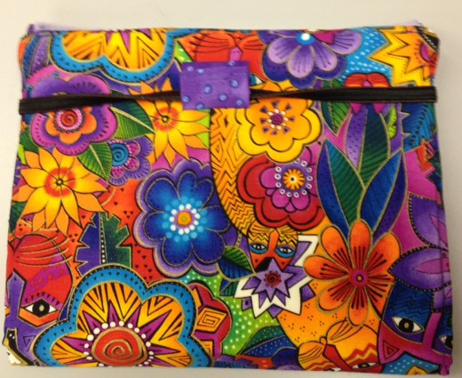 Diane also made this very clever bag for her sewing supplies for taking to classes etc See the next pic for how it opens up cleverly stands rather like some of those tablet covers