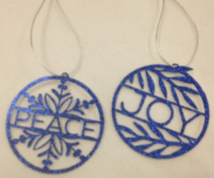 Christmas is weeks away.....make your own Christmas ornaments and decorations!