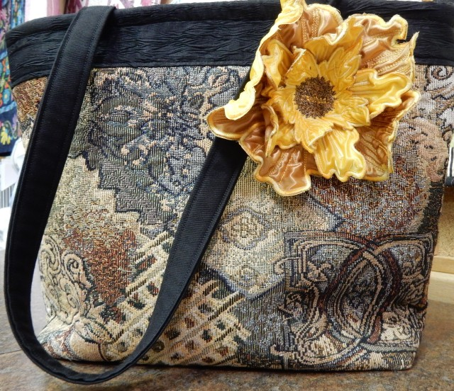 Donna Mae brought along this rather elegant purse complete with 3D embroidered flower
