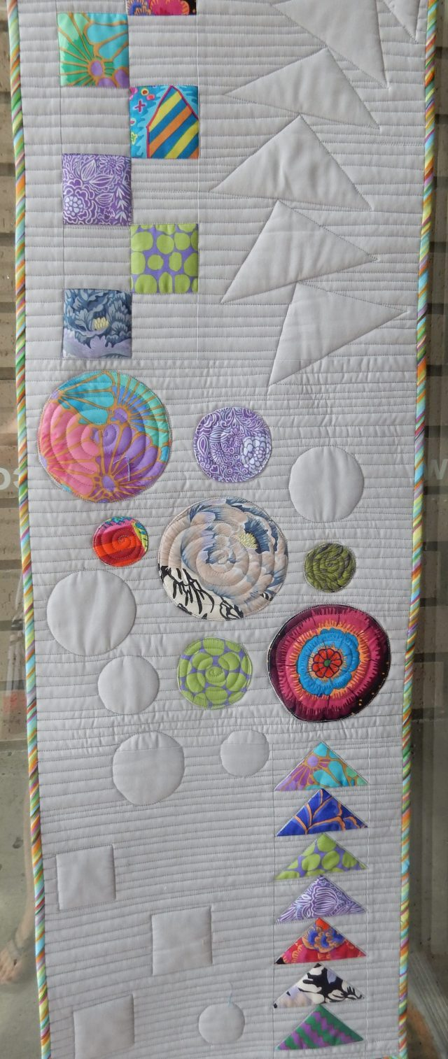 I really liked this quilt and so wnated to include it even though I either did not record the name of the quilter or there was no name on it. Sorry about that. Anyone know? and I will add the name in.