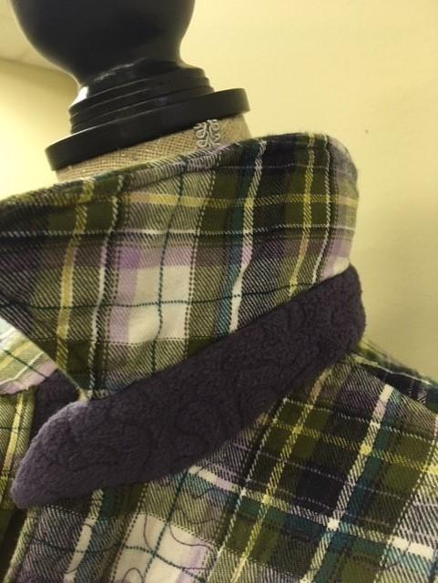 Piece detail of fleece underthe collar