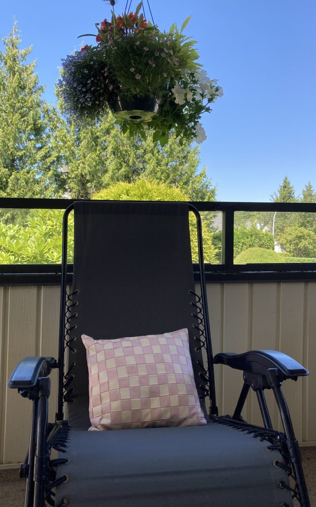Summer patio living